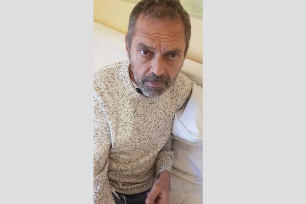 Philippe est lyonnais. Il est atteint par une maladie rare et peu connue : la LEMP. Son entourage lance un appel pour le sauver