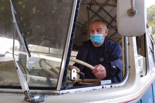 Laurent Mariani a conduit ce bus dans sa jeunesse (c'était en Corse) !