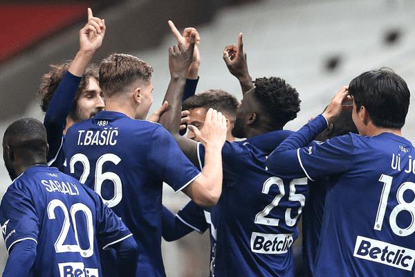 Les Girondins finissent 12e au classement du championnat de France après leur victoire à Reims.
