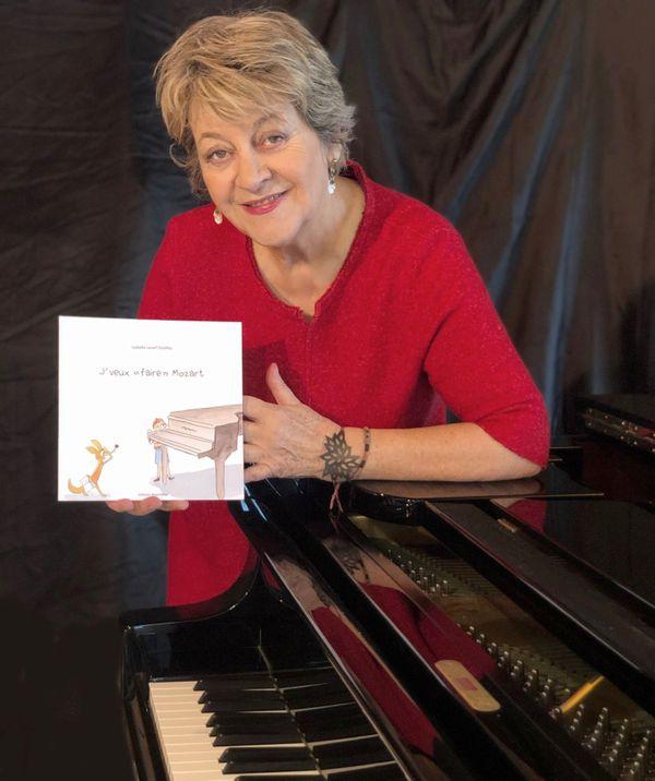 Isabelle Lecerf-Dutilloy, tout aussi à l'aise au piano qu'à l'écriture