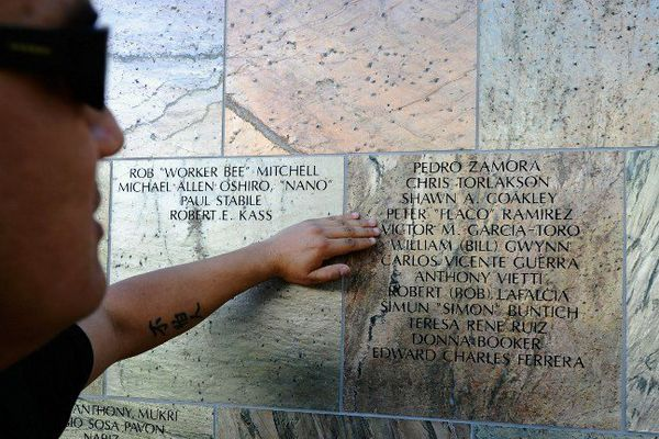 Le mur des victimes du SIDA à Los Angeles.
