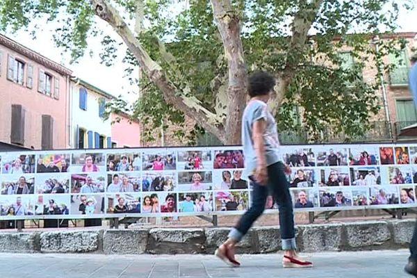 Les habitants de la ville se sont prêtés au jeu, 400 portraits recouvrent les murs de la ville - juillet 2017