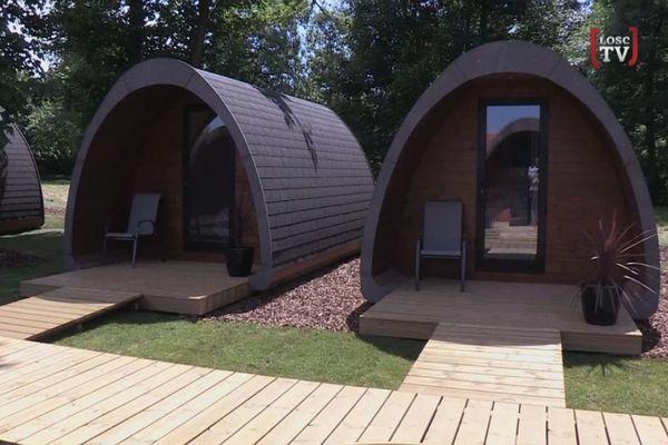 Des bungalows sont prêts à accueillir les joueurs pour la reprise de l'entraînement