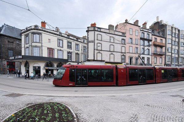Mis en service en octobre 2006, le tramway de Clermont-Ferrand aura dépassé le seuil des dix millions de kilomètres parcourus en septembre 2015.