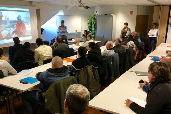 Une première session de recrutement était organisée, ce mardi 3 décembre, au Pôle Emploi de Moulins en vue du réaménagement de la RCEA.