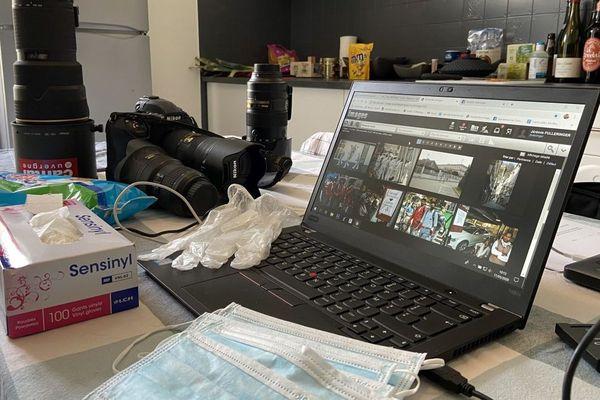 Le photographe du journal La Montagne a installé son bureau dans sa cuisine