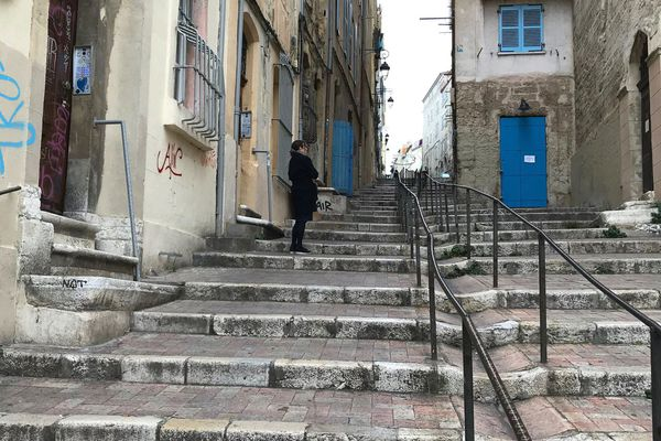La montée des Accoules qui conduit au Panier, quartier historique de Marseille.