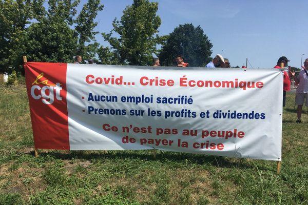 Suite au Coronavirus, Airbus s'apprête à supprimer 5000 emplois en France.