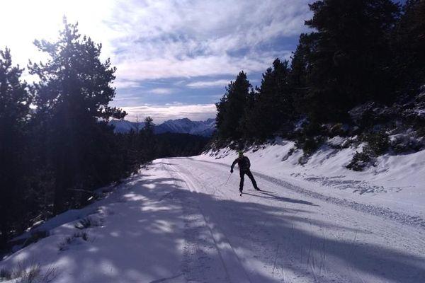 Faute de remontée mécaniques, raquettes, ski de fond et de randonnée ont connu un grand succès dans les stations des neiges catalanes où les clients étaient quand même au rendez-vous pour les vacances de Noël.