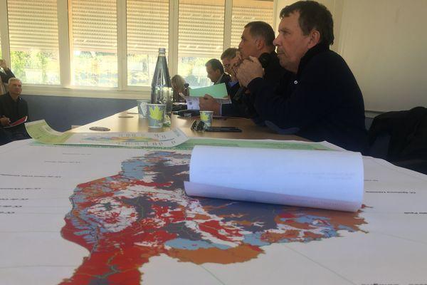 Depuis 2015, les acteurs locaux cherchent désespérément des solutions pour faire face à la saturation des centres d'enfouissement de l'île.