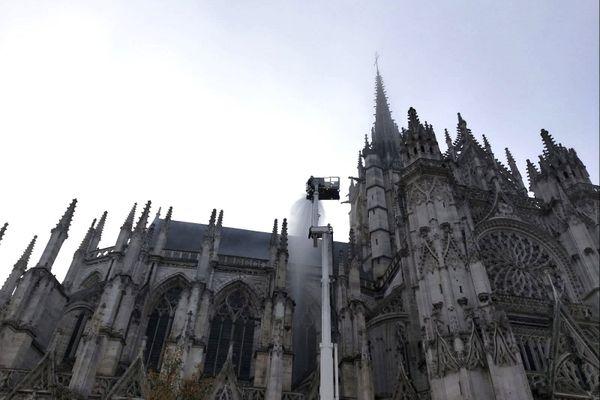 Exercice incendie grandeur nature à la cathédrale d'Evreux