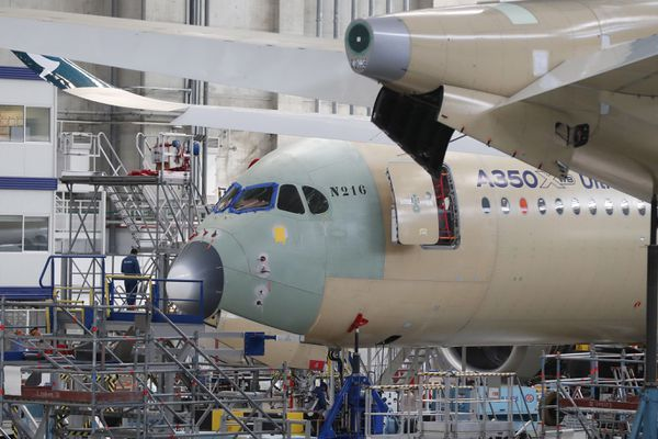 Fabrication d'un A350 sur le site Airbus de Colomiers