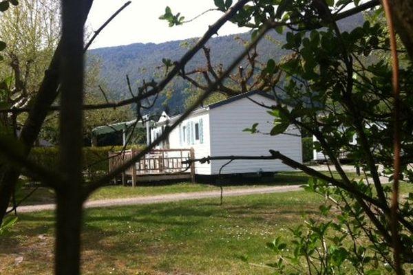 C'est à l'intérieur de ce bungalow, dans un camping d'Annecy, que l'homme aurait tué sa fille.