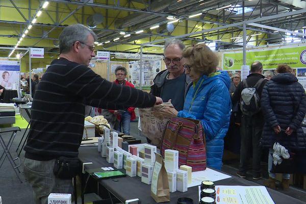 """170 exposants sont présents au salon """"Respire la Vie"""" au Parc des Expositions de Poitiers samedi 23 et dimanche 24 novembre 2019."""