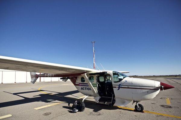 Cet avion a permis de réaliser une thermographie aérienne infrarouge avec le matériel situé sous la carlingue.