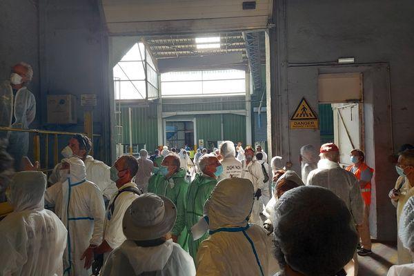 14 juin 2021, Drôme : le collectif des Faucheurs Volontaires s'est introduit dans les entrepôts d'une coopérative de semenciers basée à La Bâtie-Rolland.