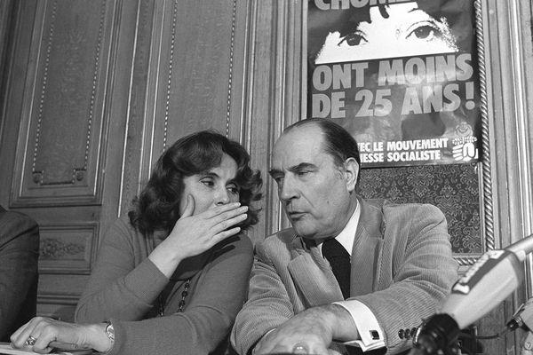 Edith Cresson et François Mitterrand lors du lancement de la campagne du PS ici en mai 1979.