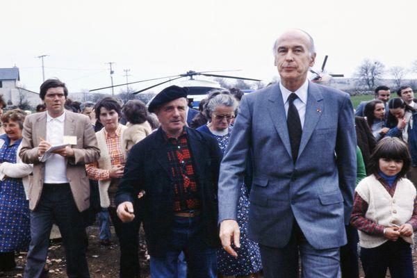 Mende - Valéry Giscard d'Estaing en campagne du second tour pour un second mandat - 7 mai 1981.