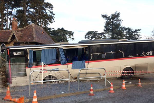 Un bus victime d'une glissade, due au verglas, en Seine-et-Marne.
