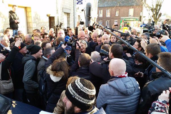 Marine Le Pen en visite à Ecouis dans l'Eure le vendredi 6 janvier 2017.
