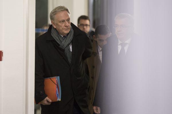 """Pierre de Saintignon se pose en """"chef de l'opposition"""" régionale."""