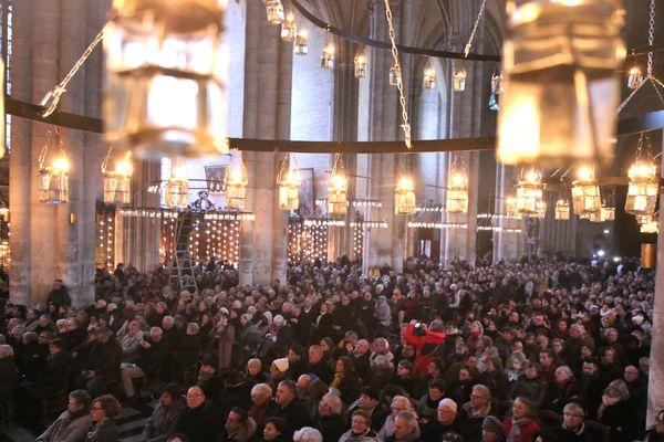 Ce dimanche, une messe officielle était célébrée à la cathédrale d'Amiens, suivie d'une conférence, d'une visite et d'une veillée.