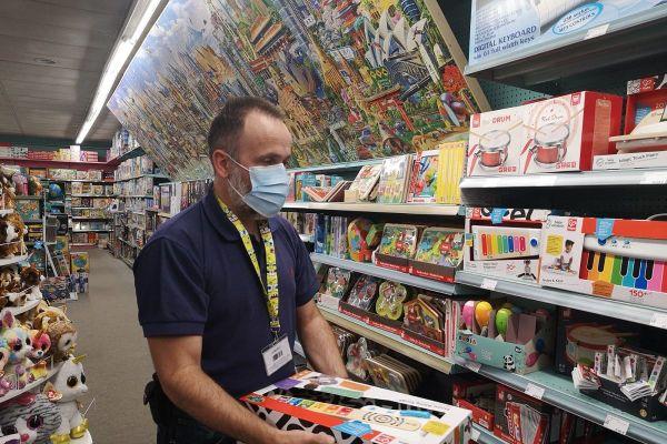 A Aurillac, un magasin de jouets a enregistré une affluence digne d'un samedi de décembre, jeudi 29 octobre.