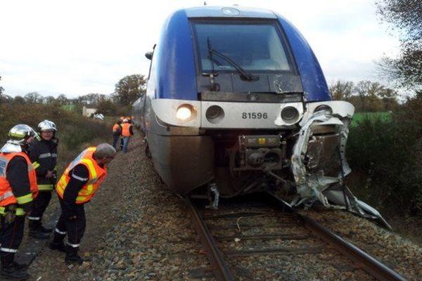 Le TER à Berneuil après l'accident