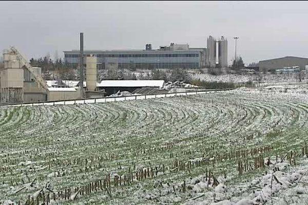 Une soixantaine de sites industriels en pleine campagne qui produisent du film et du sac plastique