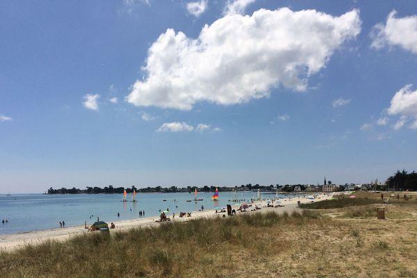 La plage de l'île Tudy où les baigneurs disent sentir des picotements pendant leur baignade