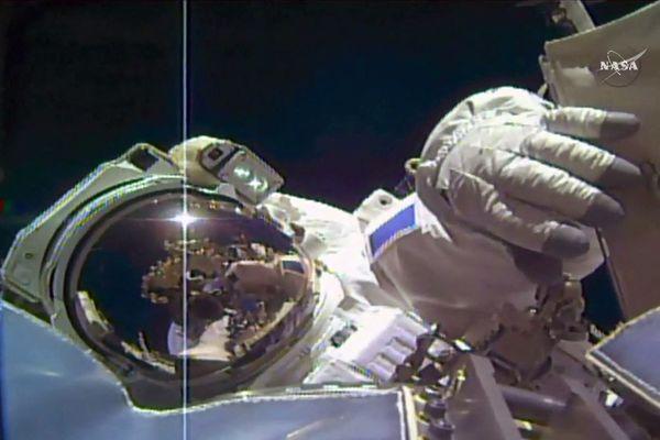 """Le 22 avril prochain, Thomas """"in the sky with diamonds"""" Pesquet, l'astronaute français que l'on ne présente (presque) plus s'envolera depuis laFloride pour sa deuxième mission à bord de la station spatiale internationale (ISS). Ca nous laisse le temps de nous préparer ... à le voir passer 16 fois par jour et à rêver un peu."""