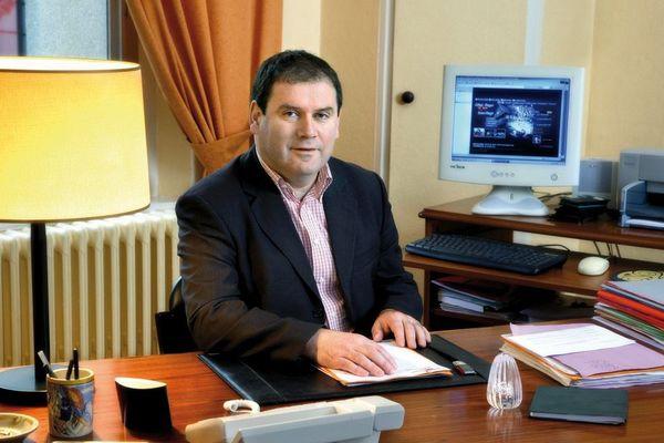 Christian Troadec dans sa mairie à Carhaix