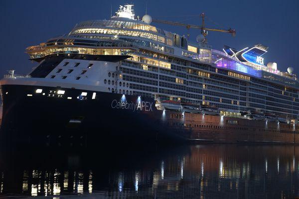 Le Celebrity Apex, construit aux Chantiers de l'Atlantique pour l'armateur Celebrity Cruises devait être livré le 21 mars et quitter Saint-Nazaire le lendemain.