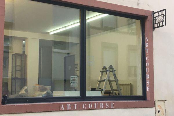 Depuis 2012, Art'Course est installée au numéro 49 de la rue de la Course à Strasbourg