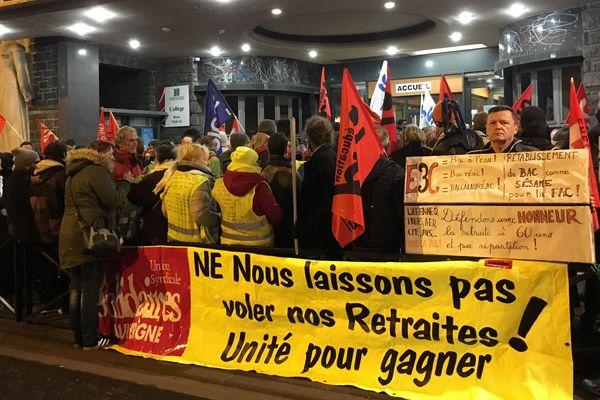 Samedi 18 janvier, les manifestants avaient empêché le tenue des épreuves de contrôle continu du bac au lycée Blaise-Pascal de Clermont-Ferrand
