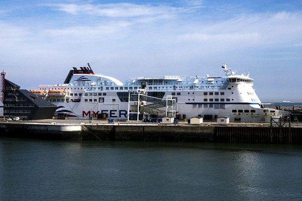 Le port de calais est à nouveau bloqué ce lundi par les marins de Scop SeaFrance