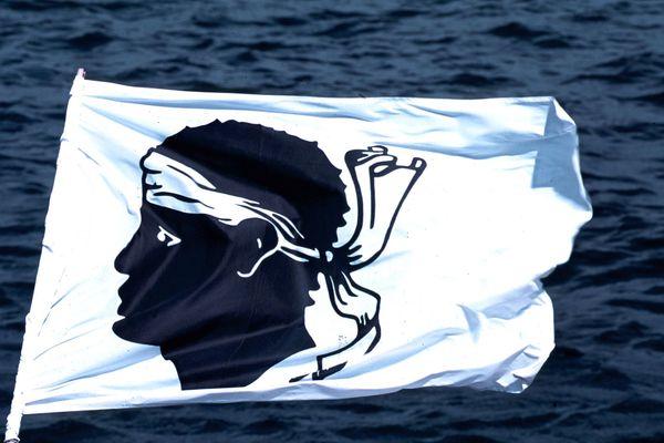 Le projet d'emoji aux couleurs du drapeau corse est en route. La Collectivité de Corse aimerait savoir s'il est soutenu par la population.