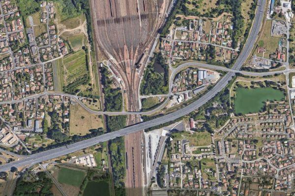 Le corps d'un adolescent de 17 ans a été découvert à la gare de triage de Bordeaux-Hourcade, à Villenave d'Ornon.