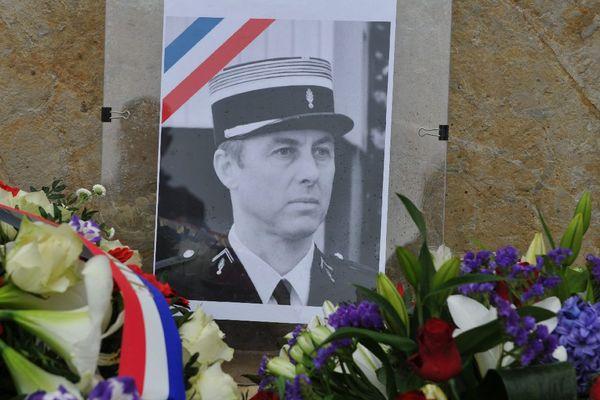 Cérémonie en hommage au lieutenant colonel Arnaud Beltrame au groupement de gendarmerie du Lot, à Cahors, le 28 mars 2018