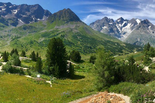 Le Jardin botanique du Lautaret dans les Hautes-Alpes est un vrai carrefour climatique et géologique