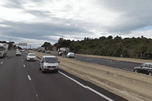 L'accident a eu lieu sur l'autoroute A9, dans le sens Montpellier-Nîmes, à hauteur de Milhaud (30).