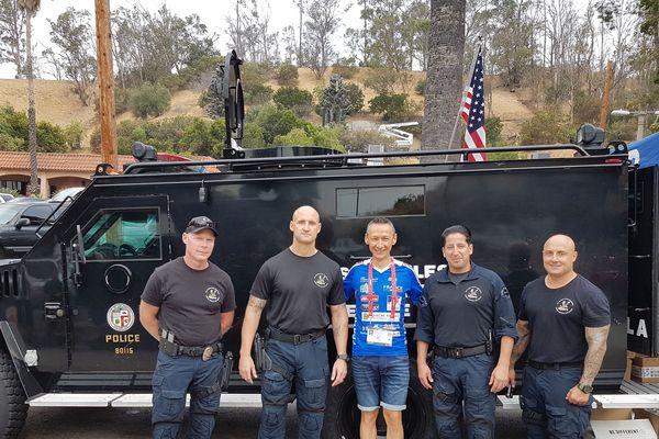 L'amitié internationale et sportive entre policiers et pompiers, ici Stéphane Langlois à Los Angeles en 2017