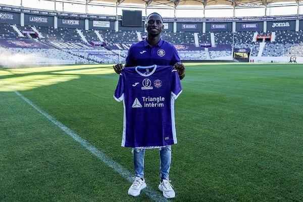 L'arrière gauche international Colombien Deiver Machado a signé ce mardi matin avec le TFC.