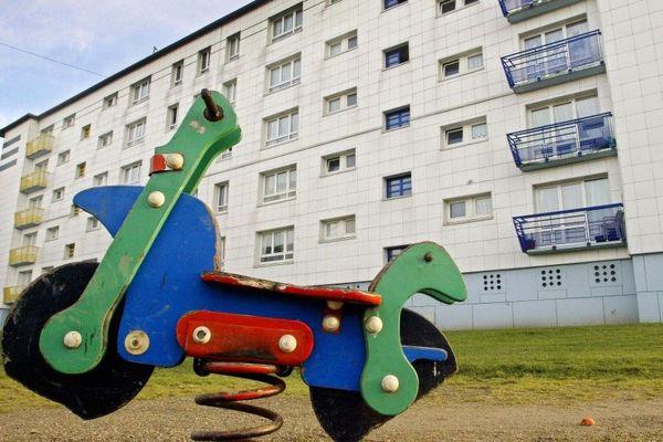 """L'éducation, pour sortir les banlieues de leurs difficultés, c'est le principe des """"cités éducatives""""/Outreau."""