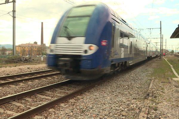 Un TER en gare du Pouzin exceptionnellement détourné ce lundi 08 avril à cause d'un accident.