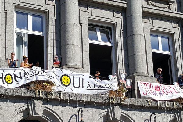 Les manifestants ont envahi la mairie de Guéret.