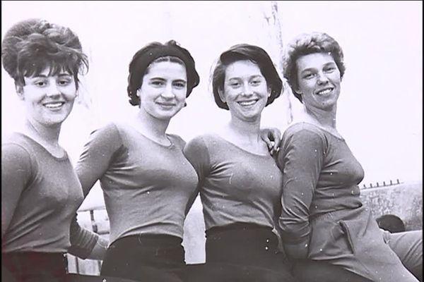 Suzon et son groupe de gymnastes