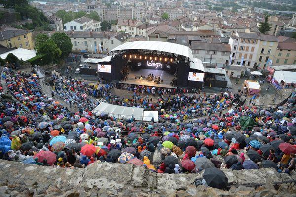 Cinq soirées ont dû être repensées ou reportées par les équipes du festival après des annulations d'artistes internationaux.