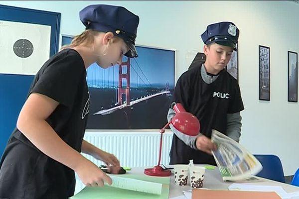 Des jeunes de 11 à 14 ans participent à un escape game pour les sensibiliser à la sécurité routière