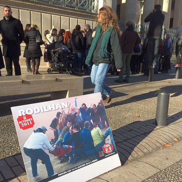 Nîmes - l'expo photos des anticorrida devant le palais de justice - 15 janvier 2016.